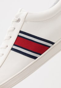 Office - CHASE TRAINER - Trainers - white - 5