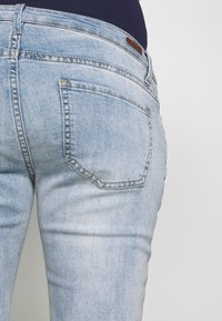 ohma! - MOM FIT WITH EMBROIDERY - Straight leg jeans - light indigo - 3