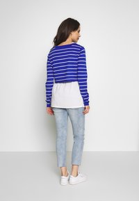 ohma! - MOM FIT WITH EMBROIDERY - Straight leg jeans - light indigo - 2