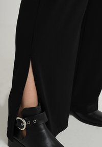 ohma! - WIDE TROUSER - Tracksuit bottoms - black - 4