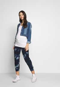 ohma! - TIE&DYE SAROUEL TROUSER WITH LOW BELLY - Tracksuit bottoms - navy - 1