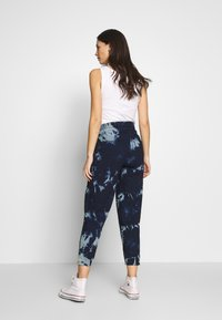 ohma! - TIE&DYE SAROUEL TROUSER WITH LOW BELLY - Tracksuit bottoms - navy - 2