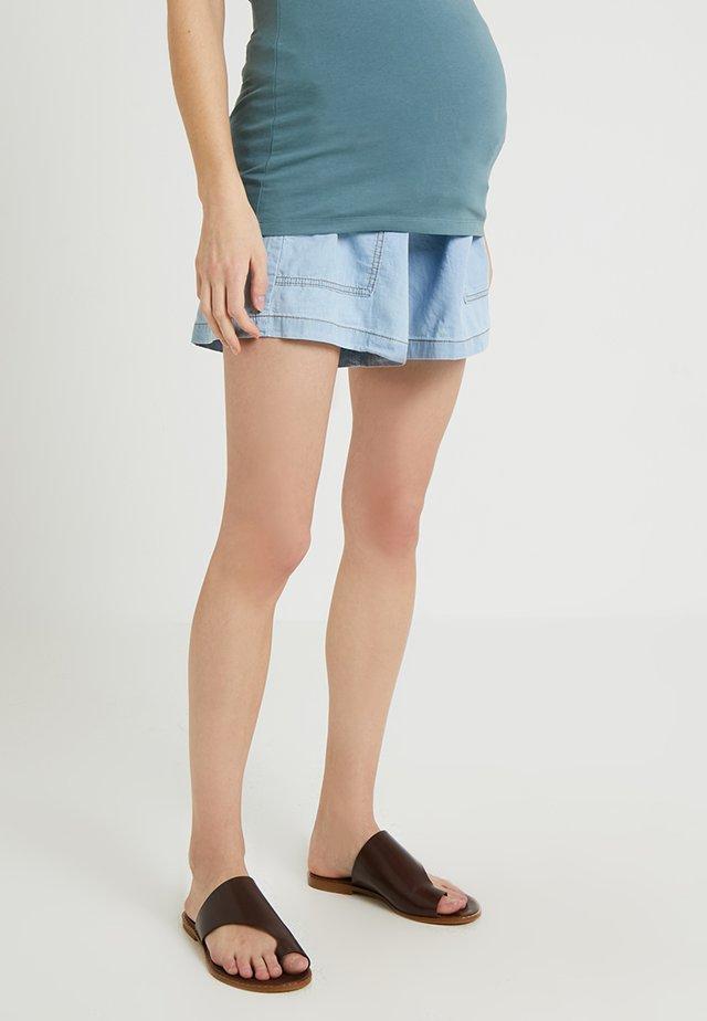 WIDE SHORT TROUSER WITH BELT - Shorts - light indigo