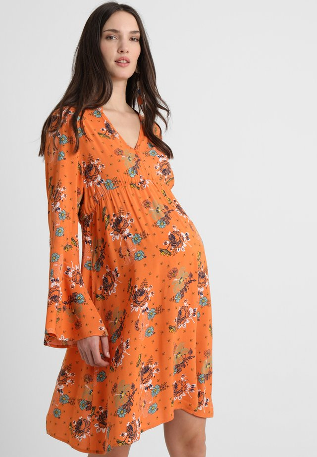PRINTED BOHO NURSING DRESS - Hverdagskjoler - orange