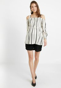 ohma! - STRIPPED BLOUSE WITH DETACHABLE STRAPS - Bluser - white/black - 1