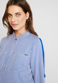ohma! - STRIPED WITH TAPE ON SLEEVES - Bluse - navy - 4
