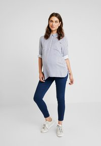 ohma! - STRIPED WITH TAPE ON SLEEVES - Bluse - navy - 1