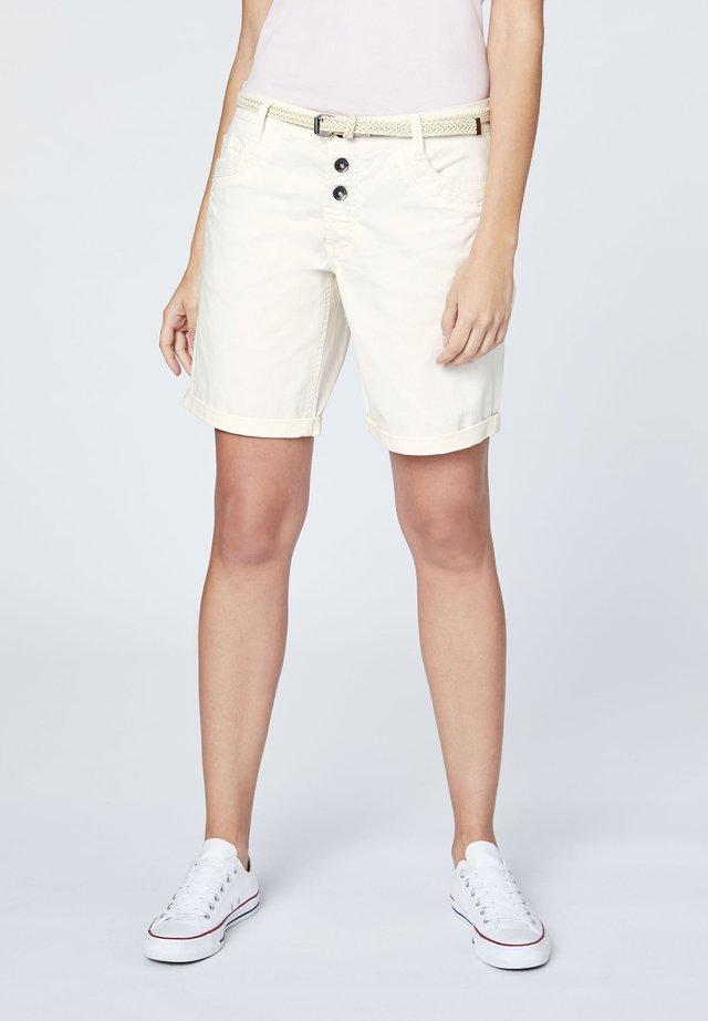 MIT GÜRTEL - Shorts - whisp white