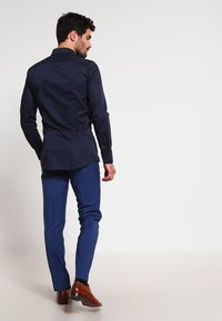 OLYMP - OLYMP NO.6 SUPER SLIM FIT - Camicia elegante - marine - 2