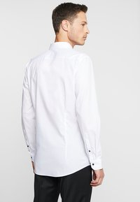 OLYMP - Formal shirt - white - 2