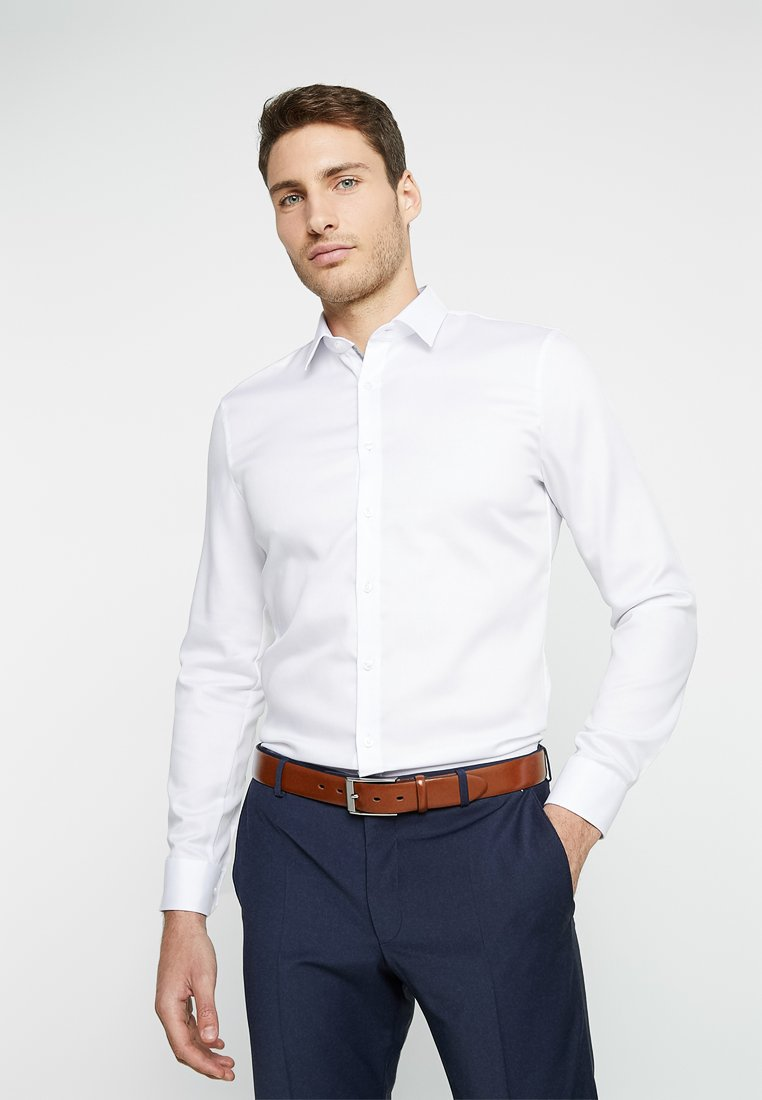 OLYMP - SUPER SLIM FIT - Business skjorter - white