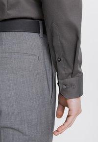 OLYMP - SUPER SLIM FIT - Formal shirt - greygreen - 4