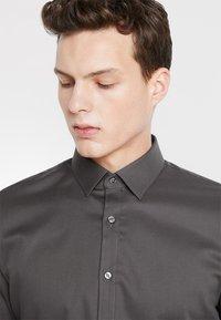 OLYMP - SUPER SLIM FIT - Formal shirt - greygreen - 3