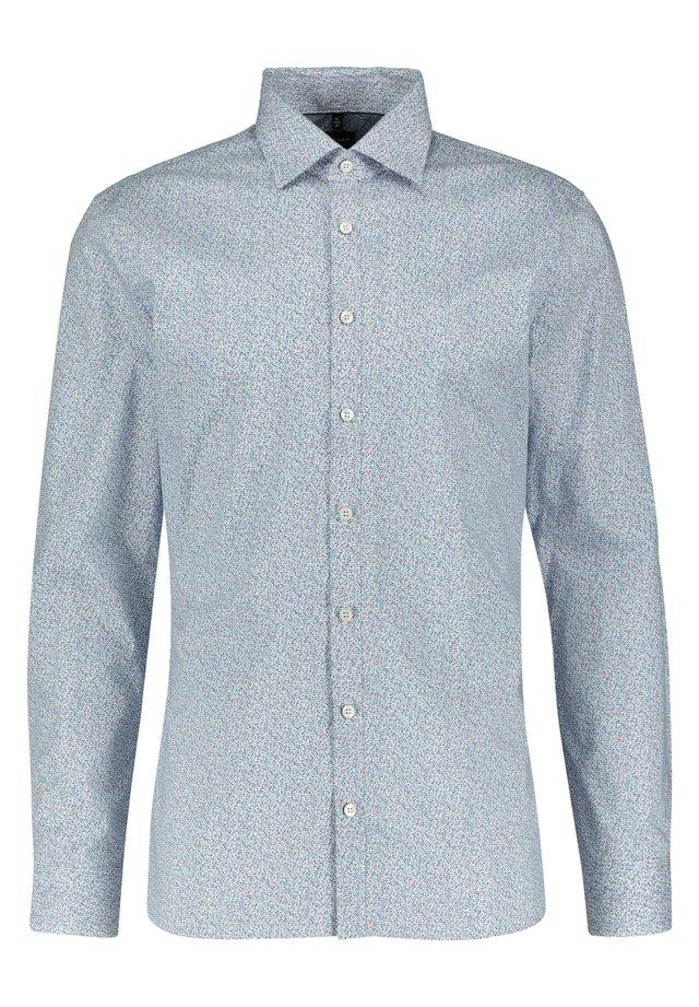 SLIM FIT - Shirt - rose (70)
