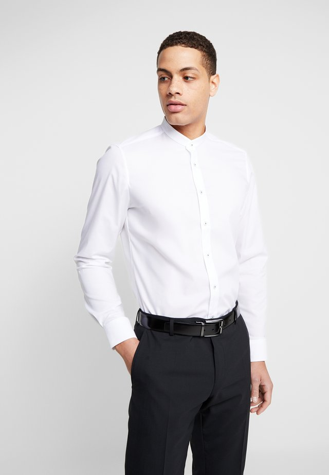 OLYMP LEVEL 5 BODY FIT  - Camicia - white