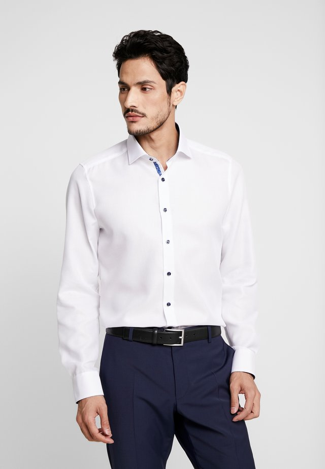 OLYMP LEVEL 5 BODY FIT  - Formal shirt - weiss