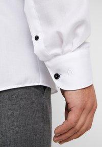OLYMP - OLYMP LEVEL 5 BODY FIT  - Camicia elegante - schwarz - 5