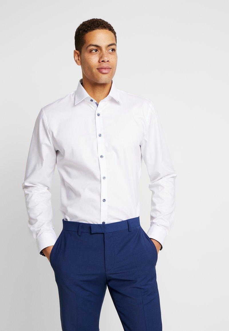 OLYMP - OLYMP NO.6 SUPER SLIM FIT  - Camicia elegante - weiß