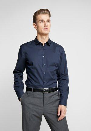 OLYMP NO.6 SUPER SLIM FIT  - Formální košile - marine