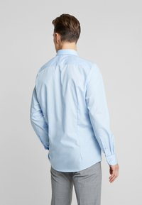 OLYMP - OLYMP LEVEL 5 BODY FIT  - Zakelijk overhemd - blue - 2