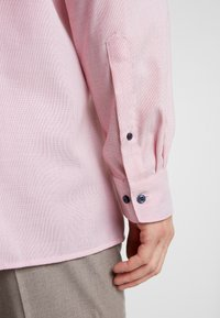 OLYMP - MODERN FIT - Formal shirt - red - 6