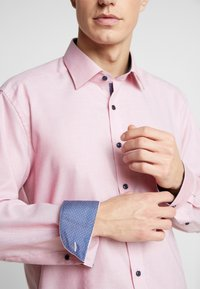 OLYMP - MODERN FIT - Formal shirt - red - 4