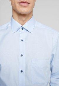 OLYMP - OLYMP LUXOR MODERN FIT - Formální košile - bleu - 5