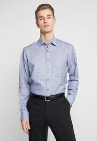 OLYMP - OLYMP LUXOR MODERN FIT - Zakelijk overhemd - marine - 0