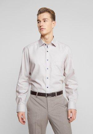 OLYMP LUXOR MODERN FIT - Camicia elegante - nougat