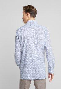 OLYMP - Skjorte - nougat - 2
