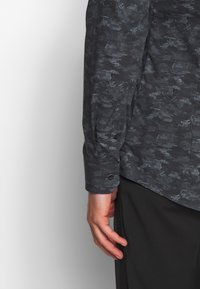 OLYMP - OLYMP NO.6 SUPER SLIM FIT  - Formální košile - schwarz - 3