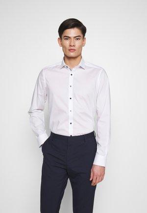 OLYMP LEVEL 5 BODY FIT  - Camicia elegante - weiss