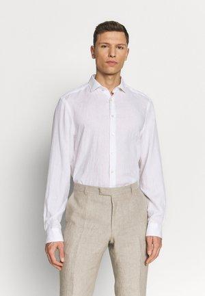 OLYMP LEVEL 5 BODY FIT  - Košile - white