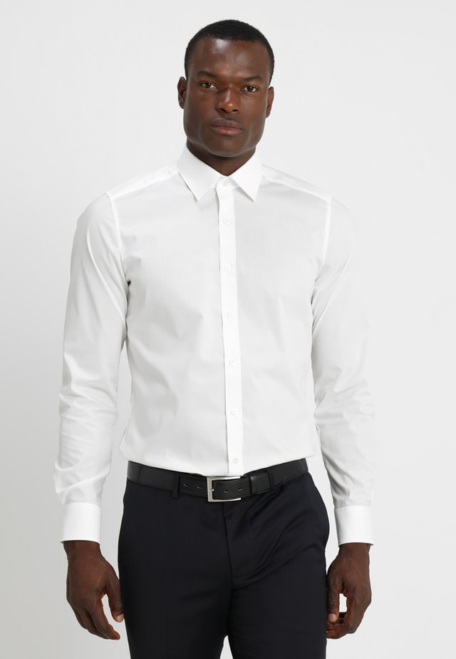 OLYMP LEVEL 5 BODY FIT - Formal shirt - offwhite