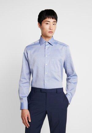 MODERN FIT - Formální košile - marine