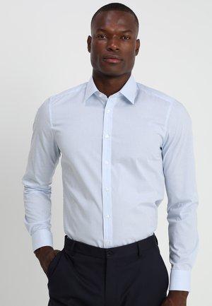 OLYMP LEVEL 5 BODY FIT  - Camicia elegante - light blue