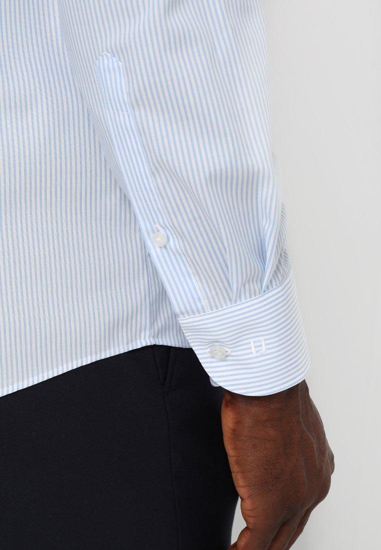 OLYMP OLYMP LEVEL 5 BODY FIT - Koszula biznesowa - light blue