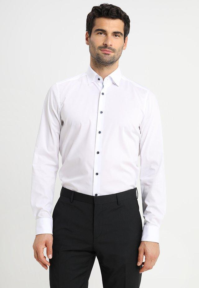 BODY FIT - Camicia elegante - weiss