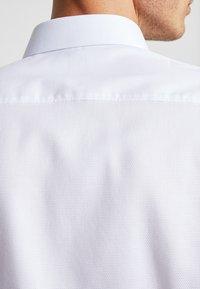 OLYMP - Zakelijk overhemd - weiss - 6