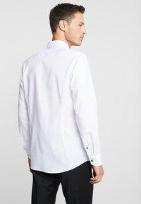 OLYMP - Zakelijk overhemd - weiss - 2