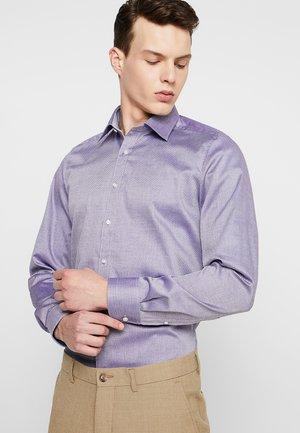 Vapaa-ajan kauluspaita - purple