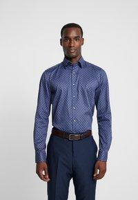 OLYMP - Formální košile - marine - 0