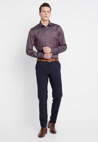 OLYMP - BODY FIT - Shirt - dunkelrot - 1
