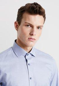 OLYMP - OLYMP LEVEL 5 BODY FIT - Formal shirt - rauchblau - 3