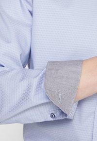 OLYMP - OLYMP LEVEL 5 BODY FIT - Formal shirt - rauchblau - 7