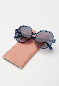 Oliver Bonas - Sunglasses - blue - 3