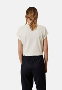 Oltre - Print T-shirt - white - 2