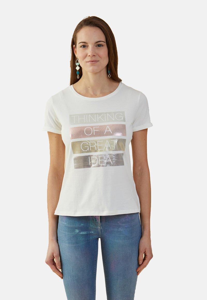Oltre - MIT SCHRIFTZUG IN METALLOPTIK - Print T-shirt - bianco