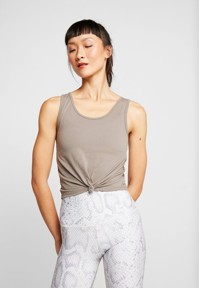 KNOT CROP - Sports shirt - dust