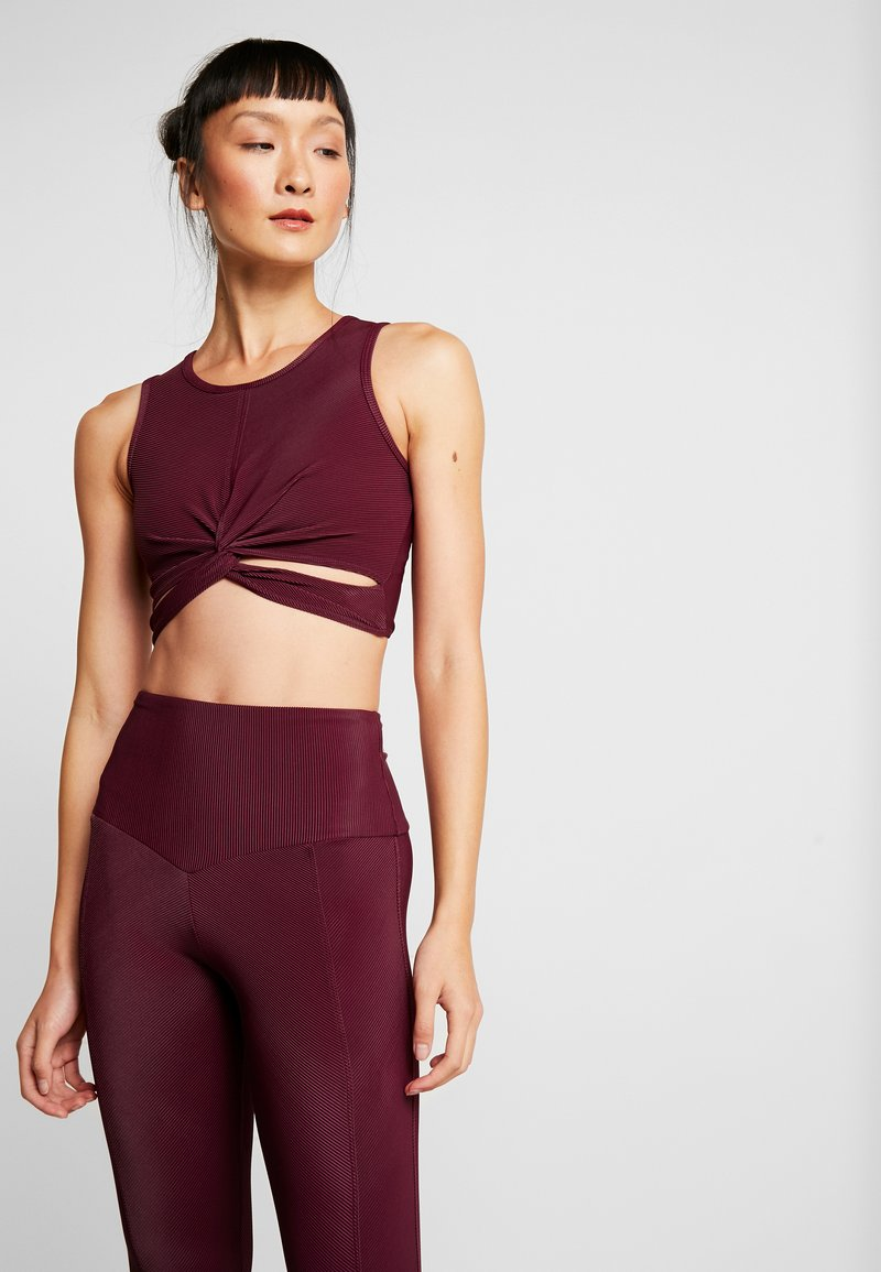 Onzie - FRONT TWIST CROP - Top - purple
